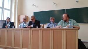 Od lewej: Jarosław Godun (moderator), Jarosław Hrycak, Jewhen Hołowach, Refat Czubarow, Alexei Bratochkin. 5 września 2015, fot.Aleksandra Zińczuk.